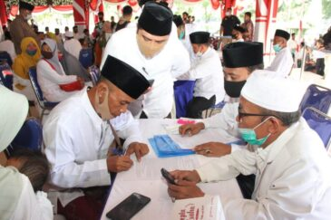 274 Penganut Syiah Sampang Meyatakan Ikrar Kembali Ke Sunni